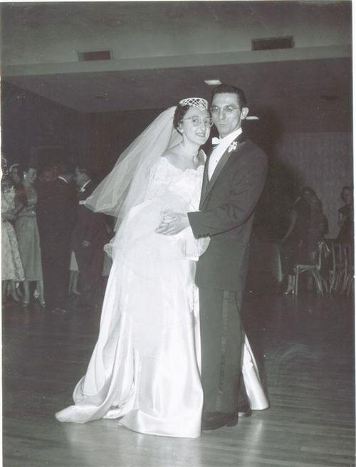 Grandma_and_grandpa_dancefloor