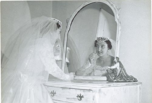 Grandma_getting_ready_pearls